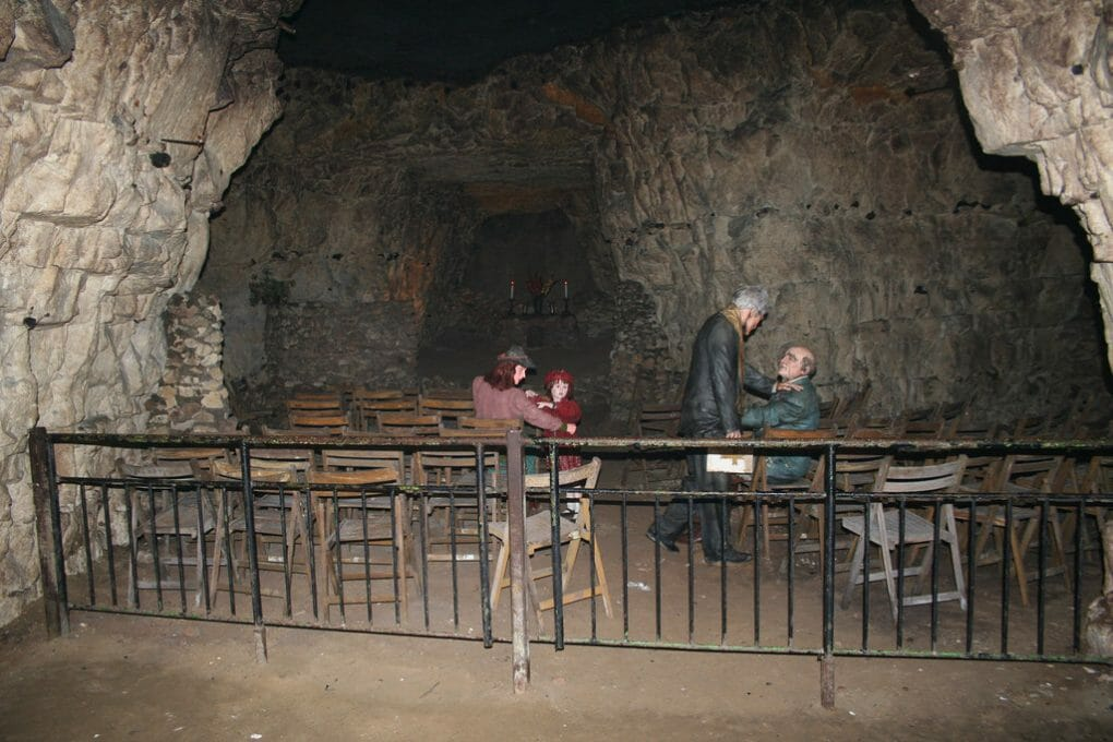 Kents Cavern photo
