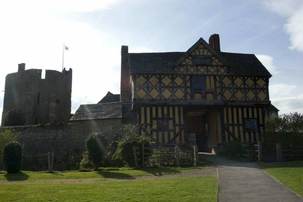 Stokesay Castle photo