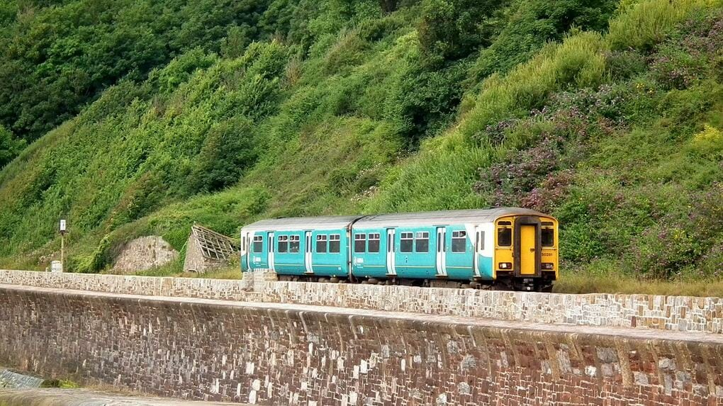 English rail journeys:Exeter-to-Teignmouth