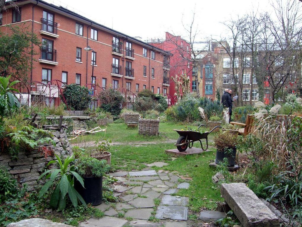 20-best-parks-london-phoenix-garden