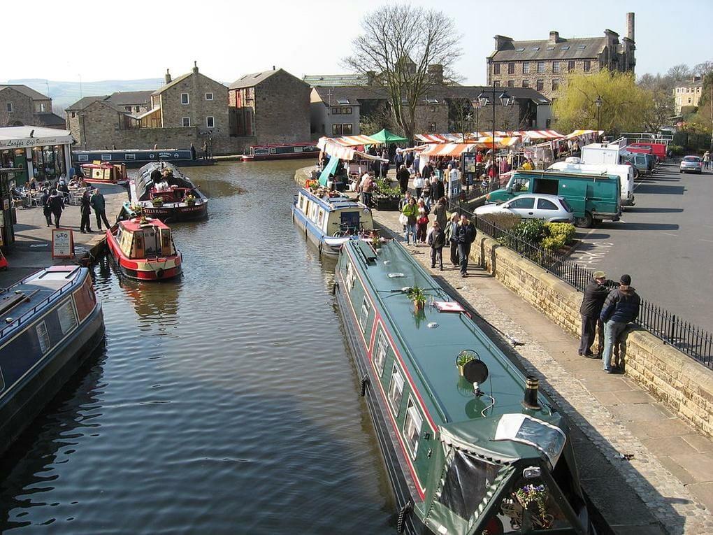 Skipton_Canal_-_panoramio