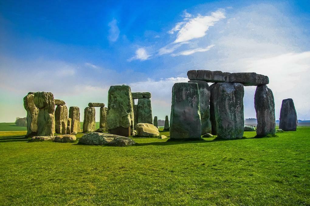 mysteries-of-england-stonehenge
