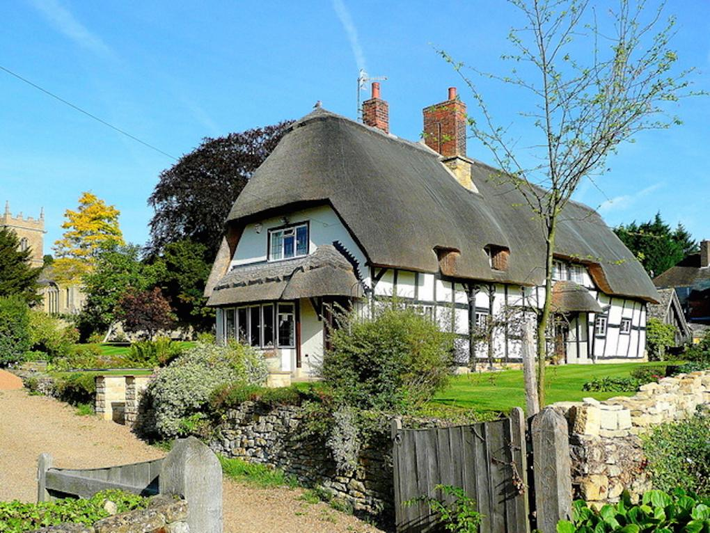 thatched-cottages-ashton-under-hill-worcester